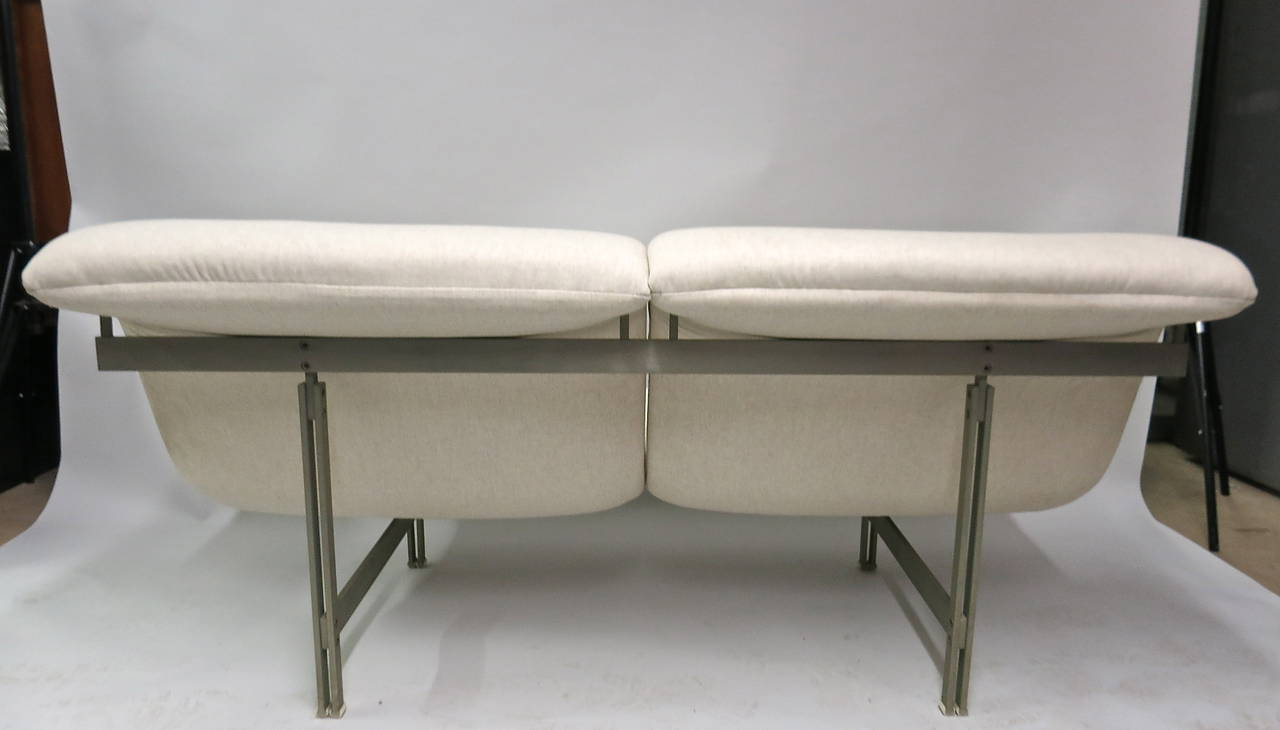 Pair of Two-Seater Sofas by Saporiti Fabricated by Saporiti Italia, Circa 1970 For Sale 2