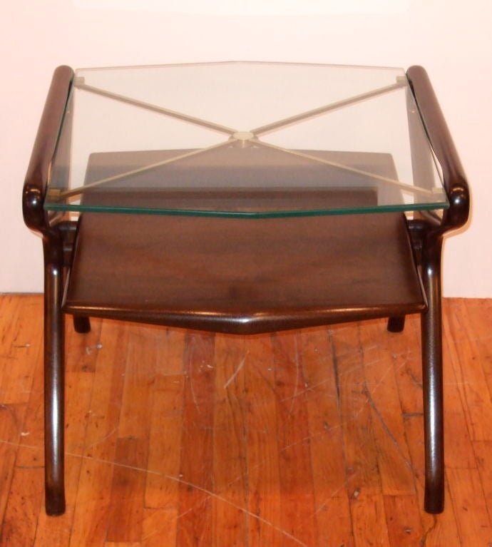 Kagan Style Side Table In Excellent Condition For Sale In New York, NY