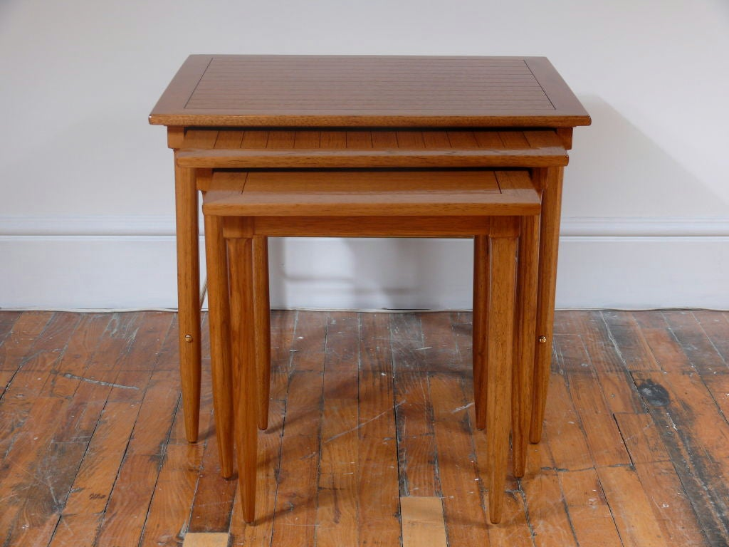 Oak nesting tables for sale at stdibs