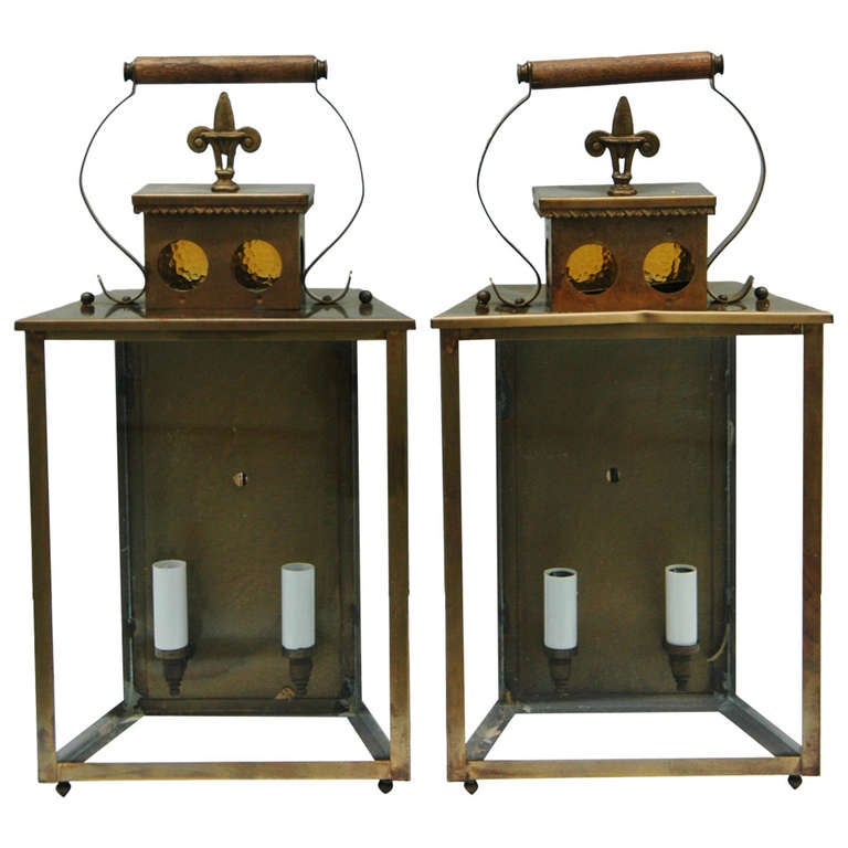 A pair of coach style lantern outdoor lights at 1stdibs for Coach furniture