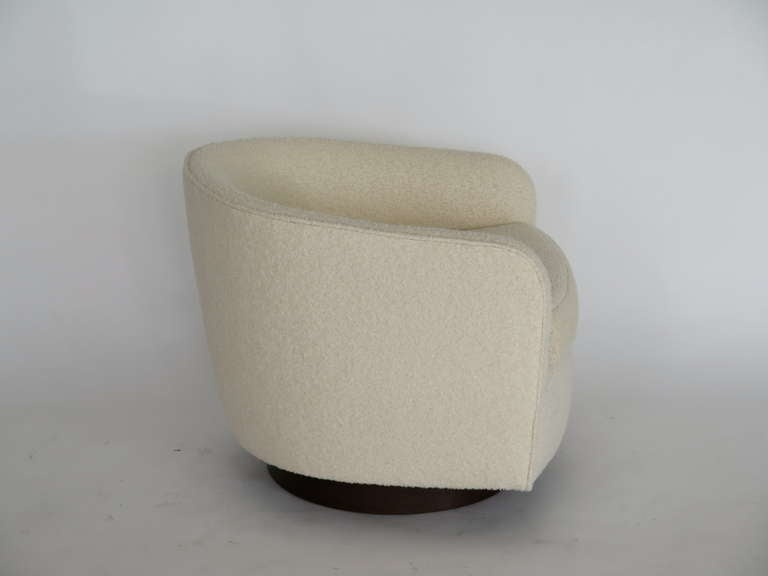 Bouclé Swivel Chairs in the Style of Milo Baughman For Sale