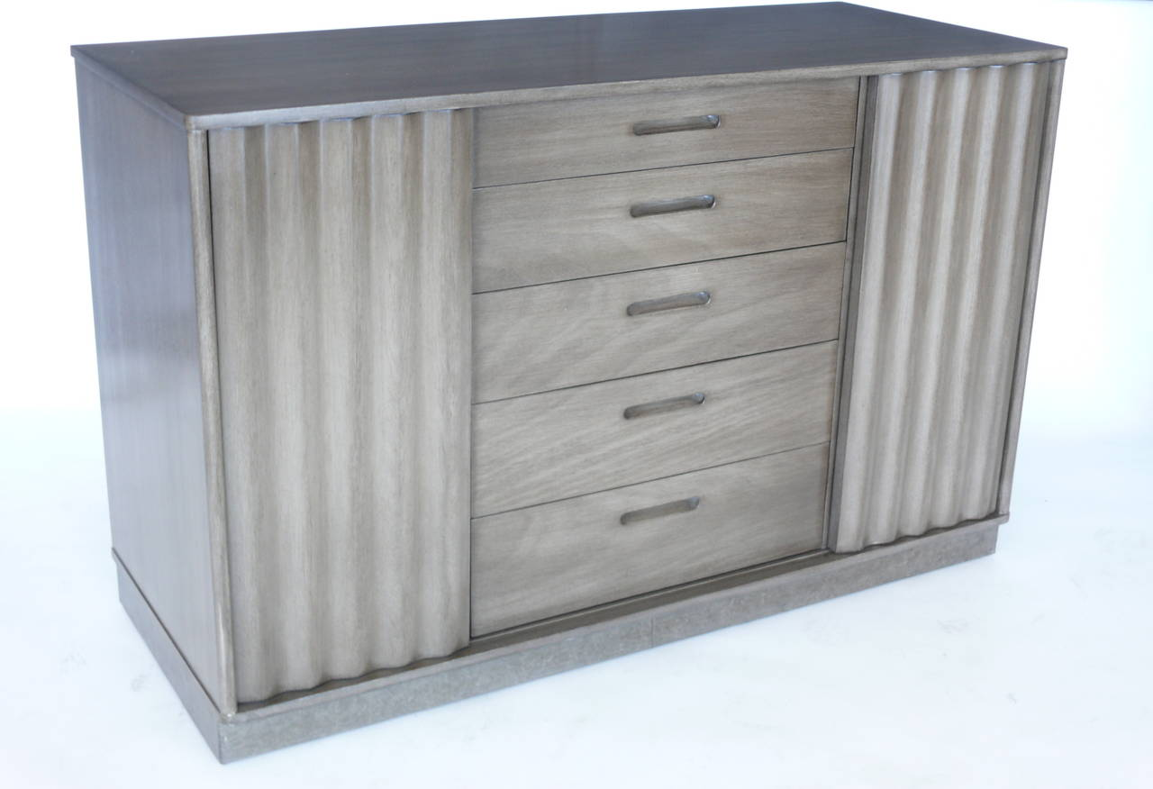 Edward Wormley for Dunbar Cabinets In Excellent Condition For Sale In Los Angeles, CA