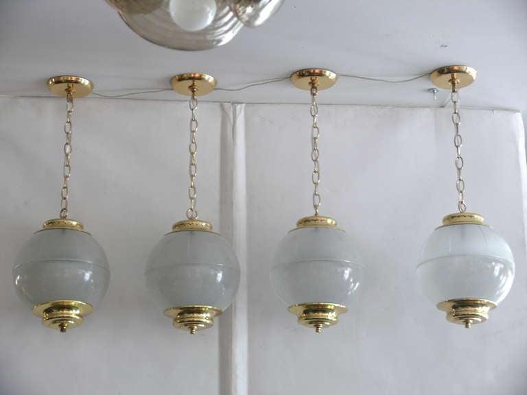 Azucena Globe Pendant For Sale 3