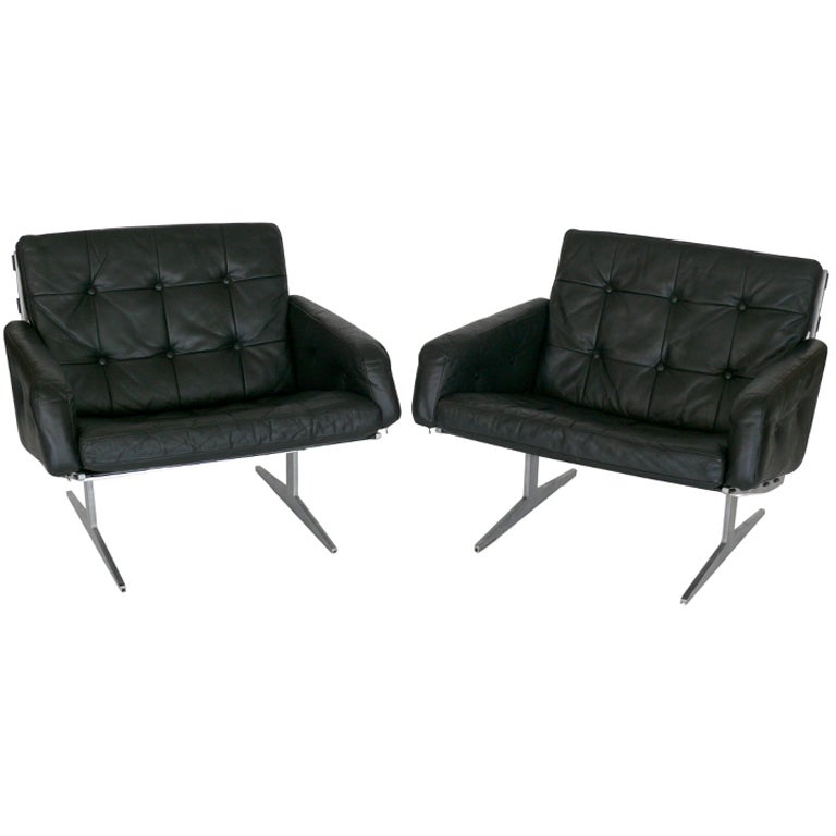 Paul Leidersdorff Black Leather Lounge Chairs at 1stdibs