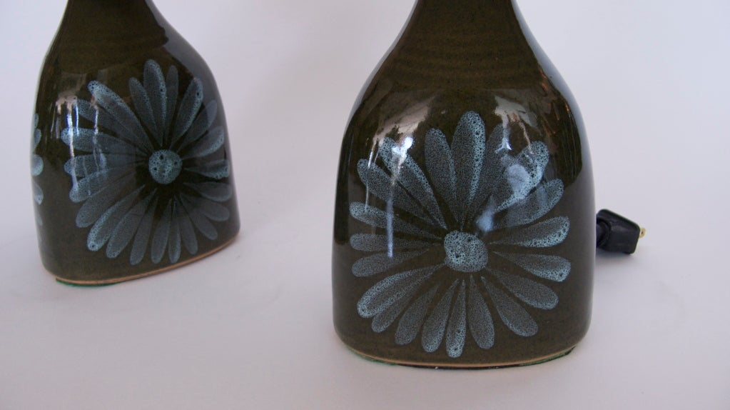 petite ceramic painted flower lamps at 1stdibs. Black Bedroom Furniture Sets. Home Design Ideas