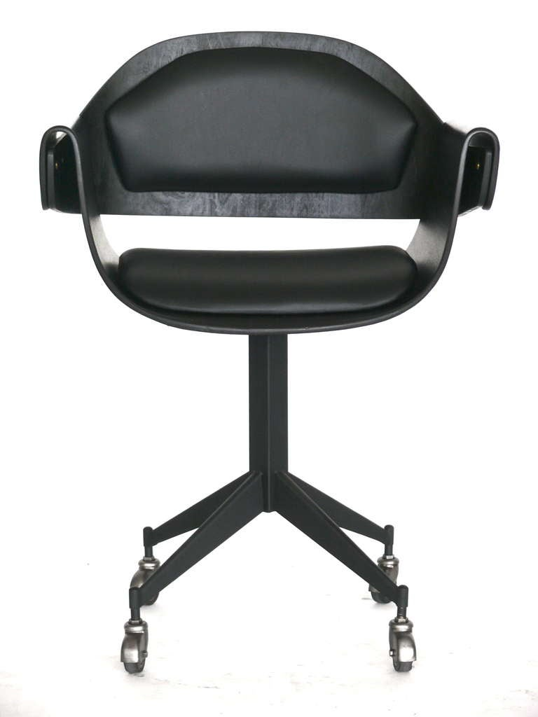italian wood and leather desk chair at 1stdibs. Black Bedroom Furniture Sets. Home Design Ideas