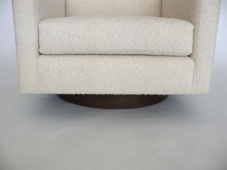 Square Wool Boucle Swivel Chairs For Sale 1