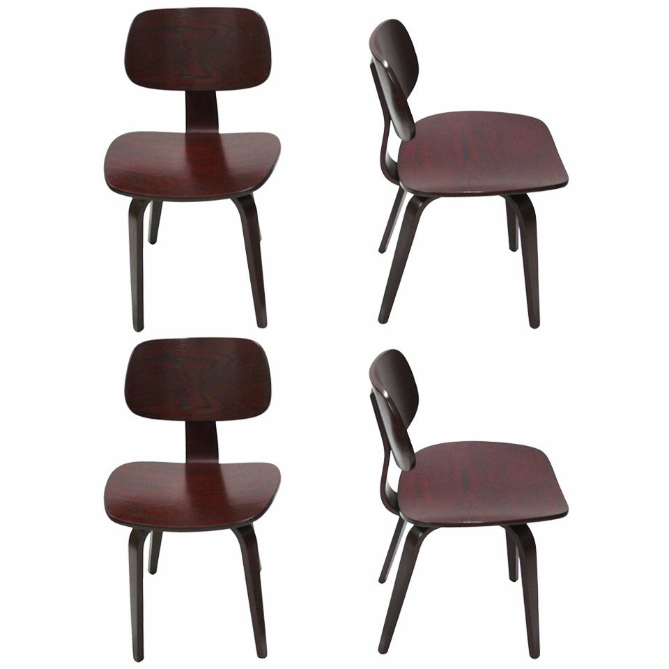 Set Of Four Wood Chairs By Thonet At 1stdibs