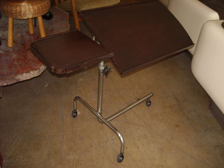 Chrome and Dark Mahogany Danish Tilt Top  Reading Adjustable Trolley/Cart Bar In Good Condition For Sale In Los Angeles, CA