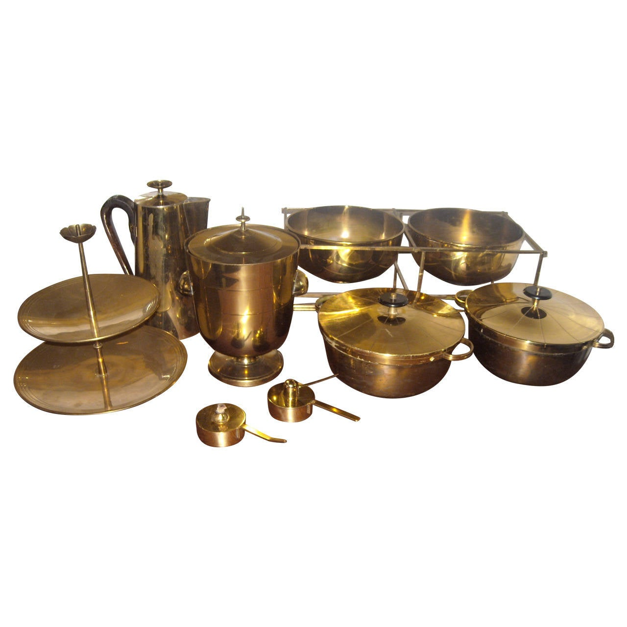 Large Set of Tommi Parzinger Dining Ware for Dorlyn Silversmith, in Brass For Sale