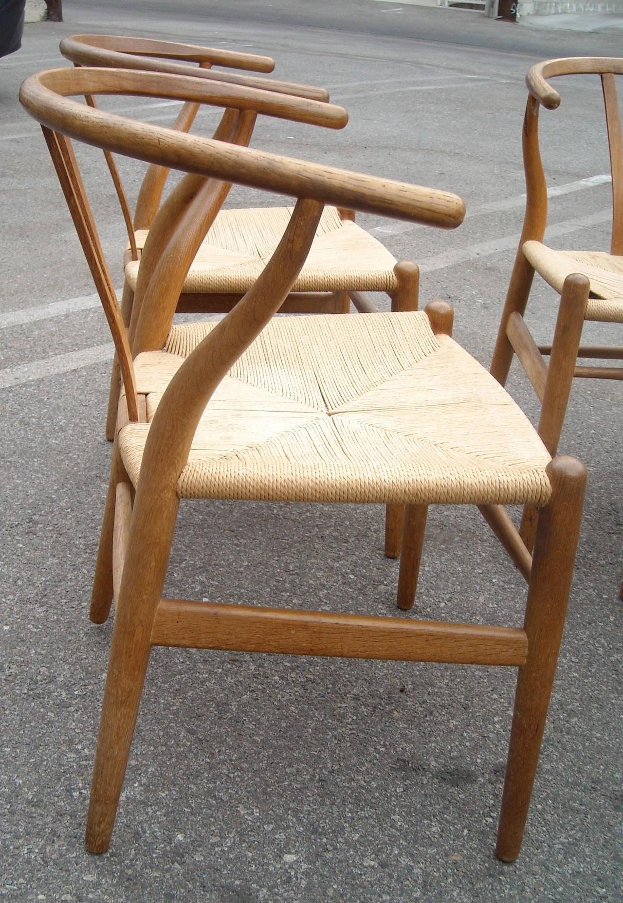 hans wegner ch 24 original set of two o wishbone chair y for carl hansen denmar at 1stdibs. Black Bedroom Furniture Sets. Home Design Ideas