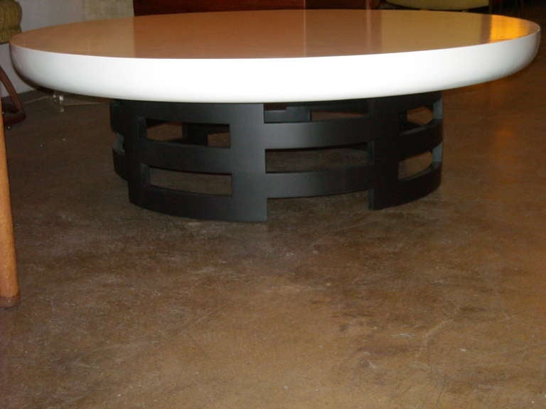 Kittinger Round Cocktail / Coffee Table. at 1stdibs