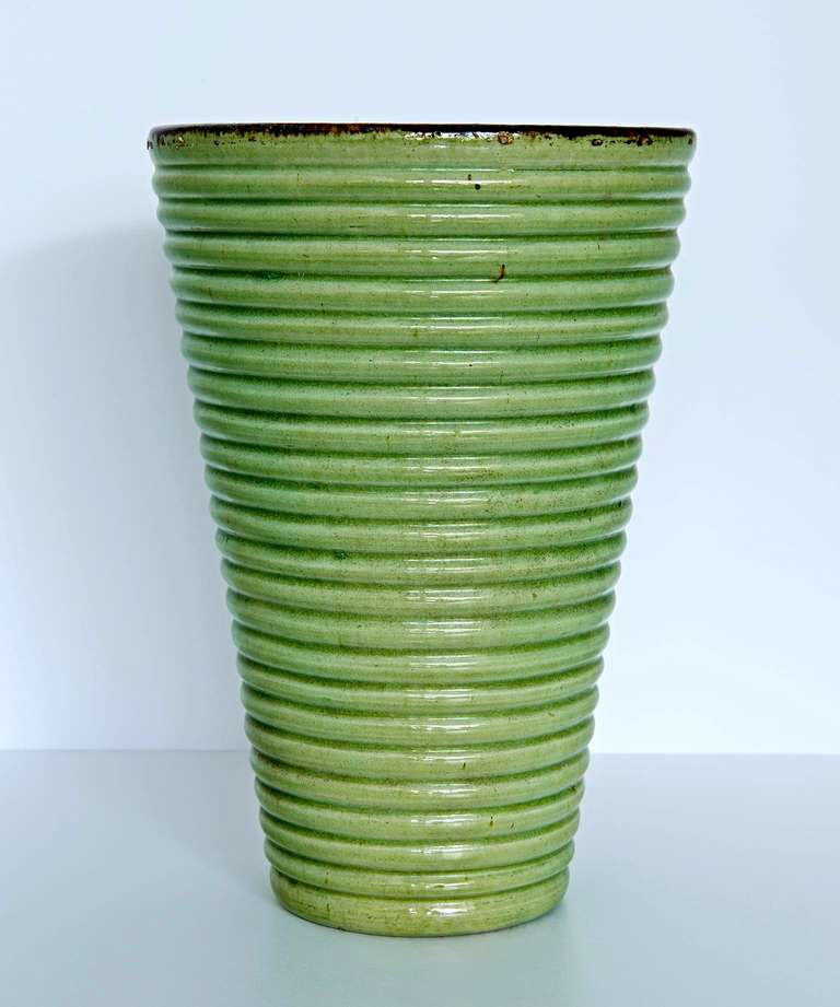 Provençal Art Deco Vase In Excellent Condition For Sale In Los Angeles, CA