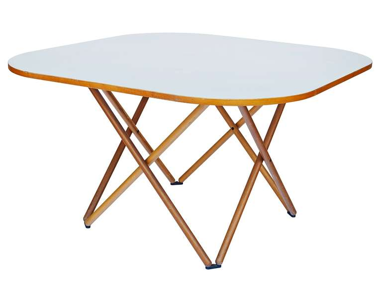 Modern Rare Dining Table by Vico Magistretti For Sale