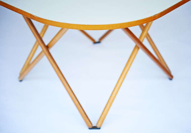 Rare Dining Table by Vico Magistretti For Sale 1