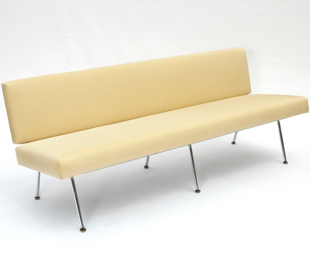 Sofa by Florence Knoll 2