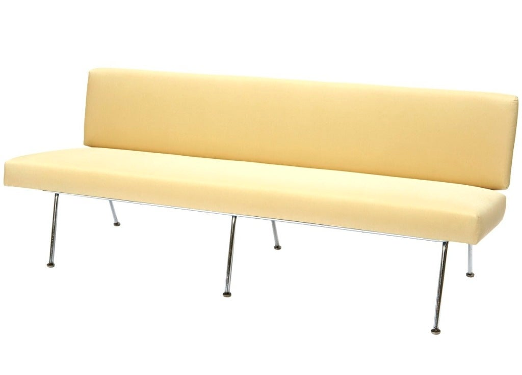 Sofa by Florence Knoll 4