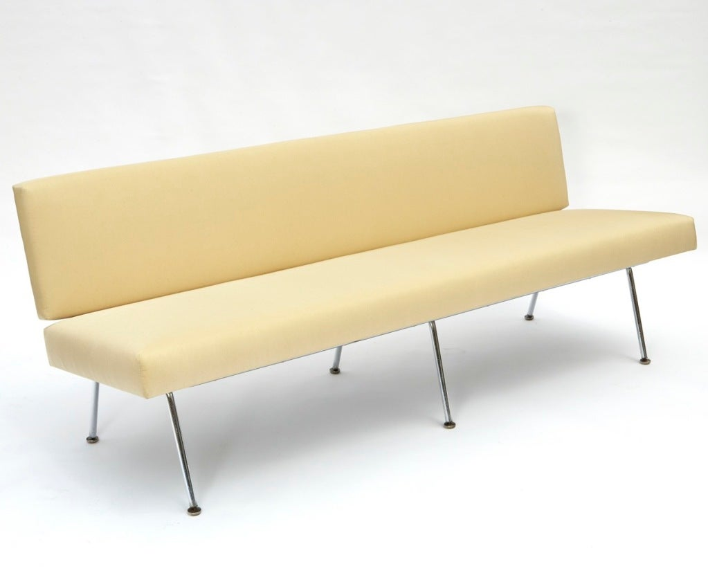 Sofa by Florence Knoll 5
