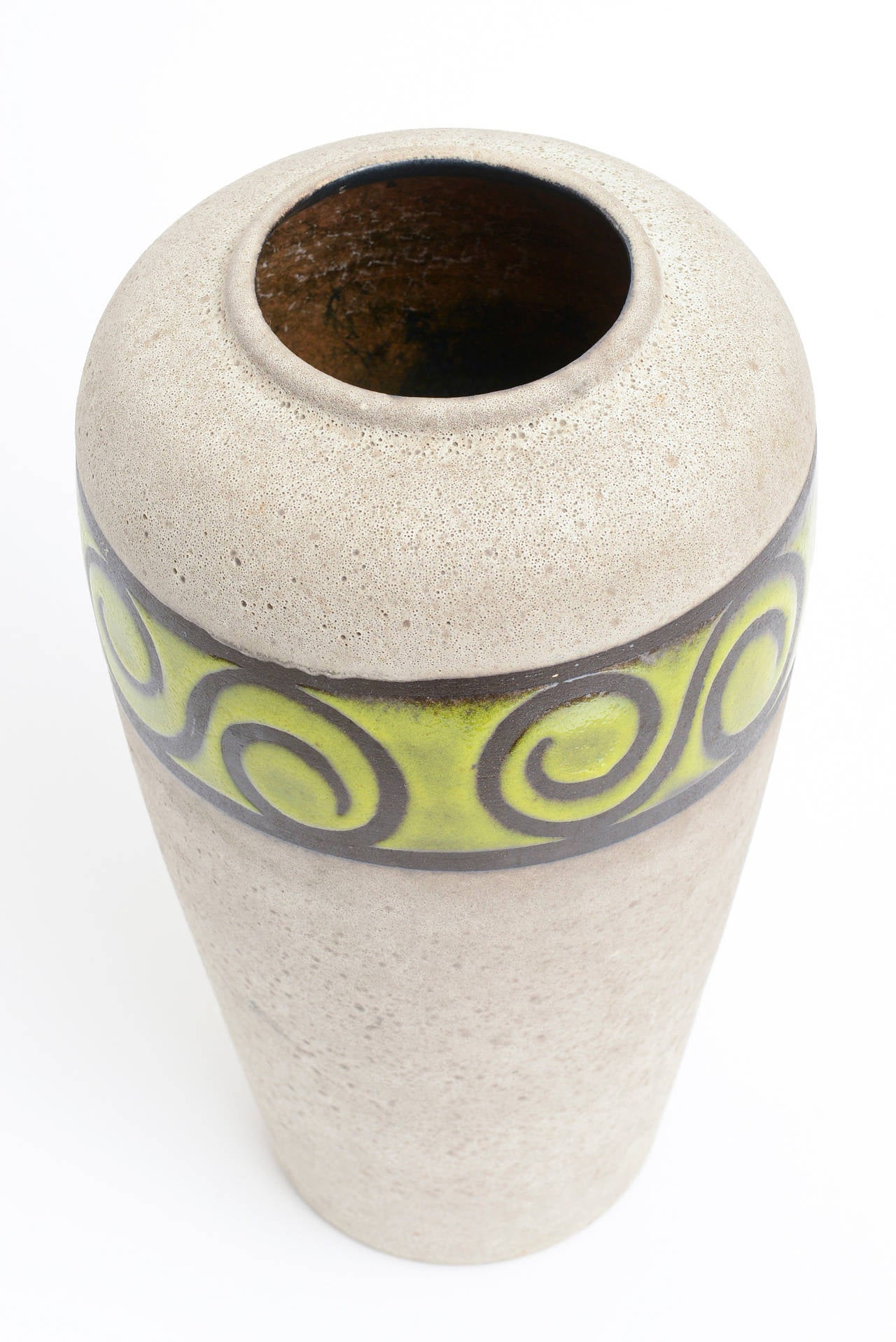 Western Germany Monumental Ceramic Vessel or Vase In Good Condition For Sale In North Miami, FL