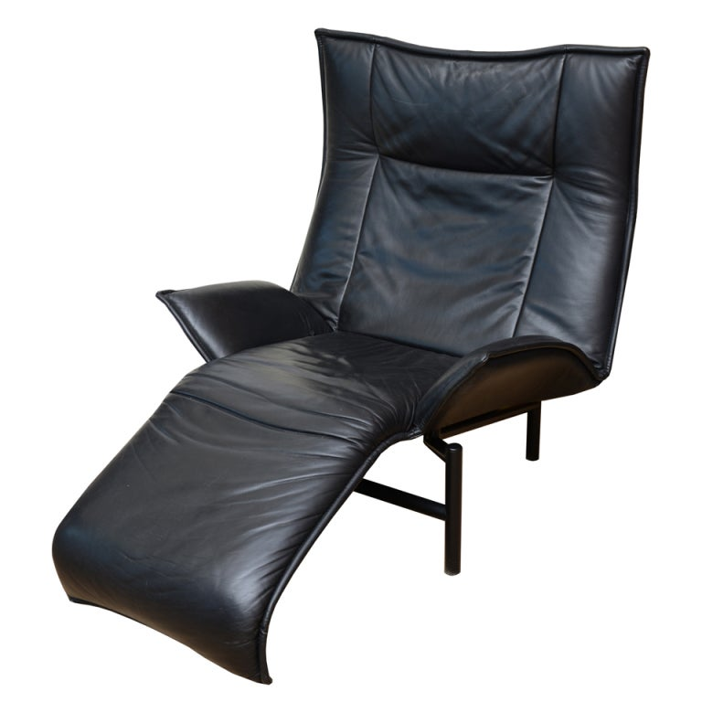 Italian vico magistretti by cassina leather lounge chair for Cassina chaise lounge