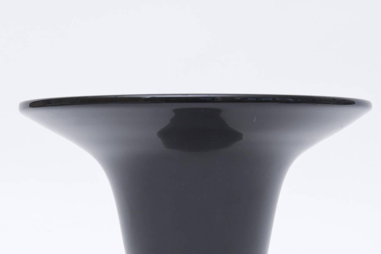 Italian Murano Seguso Black Amethyst and Gold Foil Trumpet Glass Vase For Sale 1