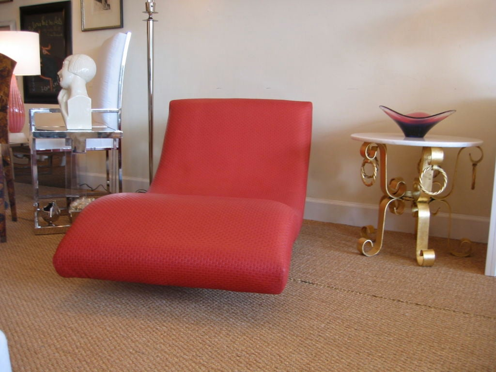 Curvaceous chaise longue for sale at 1stdibs for Chaise longue sale