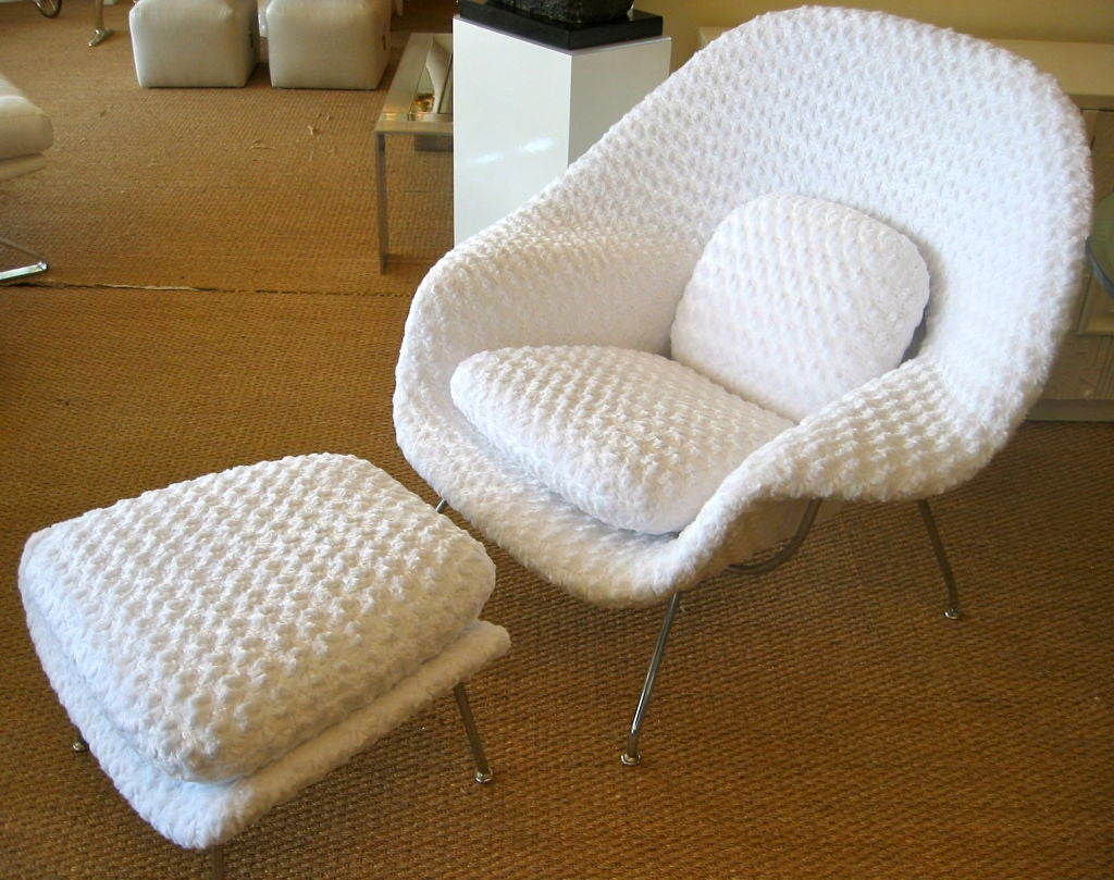 stunning eero saarinen for knoll womb chair with ottoman at 1stdibs. Black Bedroom Furniture Sets. Home Design Ideas