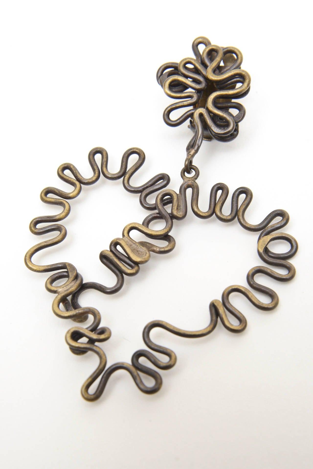 Modern  Brass Studio Sculptural Clip On Dangle Earrings Vintage  For Sale