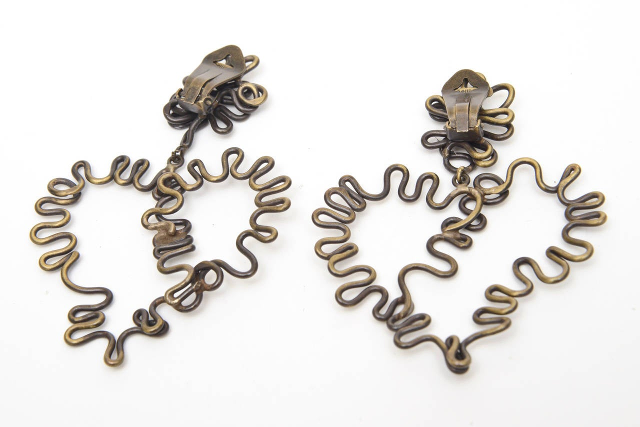 Brass Studio Sculptural Clip On Dangle Earrings Vintage  In Good Condition For Sale In North Miami, FL