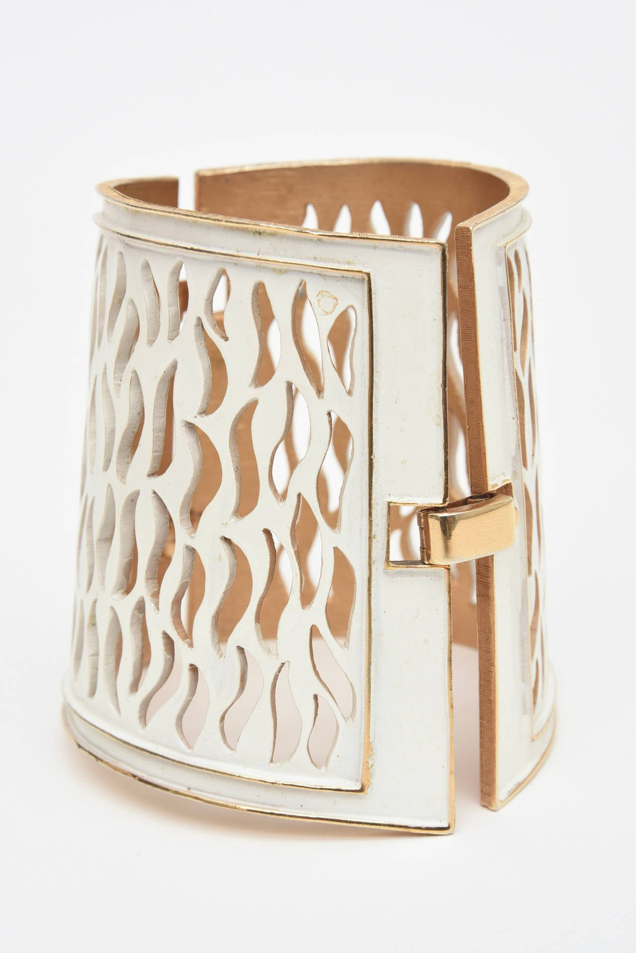 Trifari Enamel and Gold Metal Cutout Wide Sculptural Dramatic Cuff  In Good Condition For Sale In North Miami, FL