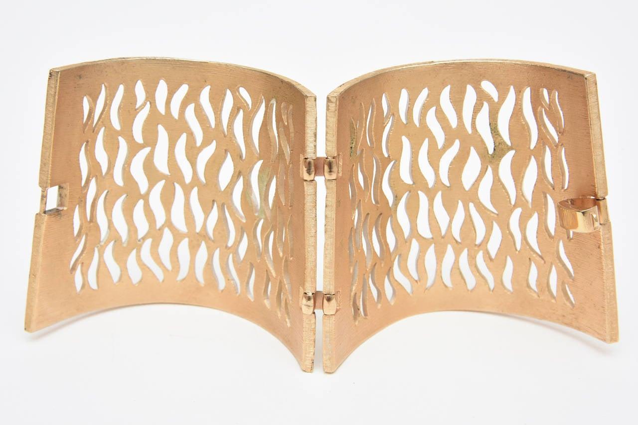 Trifari Enamel and Gold Metal Cutout Wide Sculptural Dramatic Cuff  For Sale 2