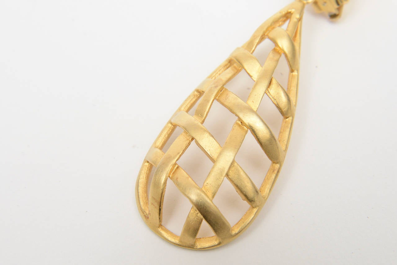 Pair of Gold Plated Criss Cross Cage Dangle Earrings In Excellent Condition For Sale In North Miami, FL