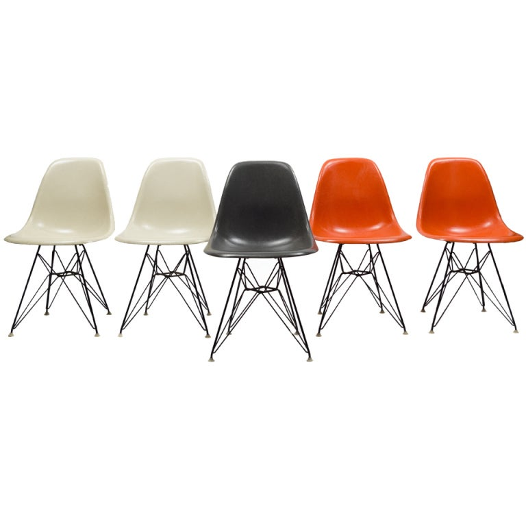 Vintage set of charles ray eames eiffel chairs for for Chaise eames dkr