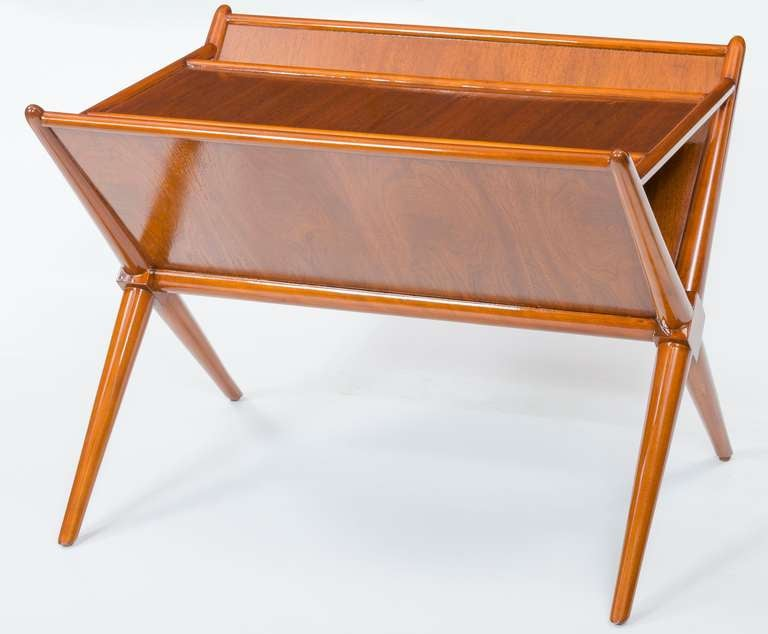 T h robsjohn gibbings magazine side table at 1stdibs for 13 a table magasin