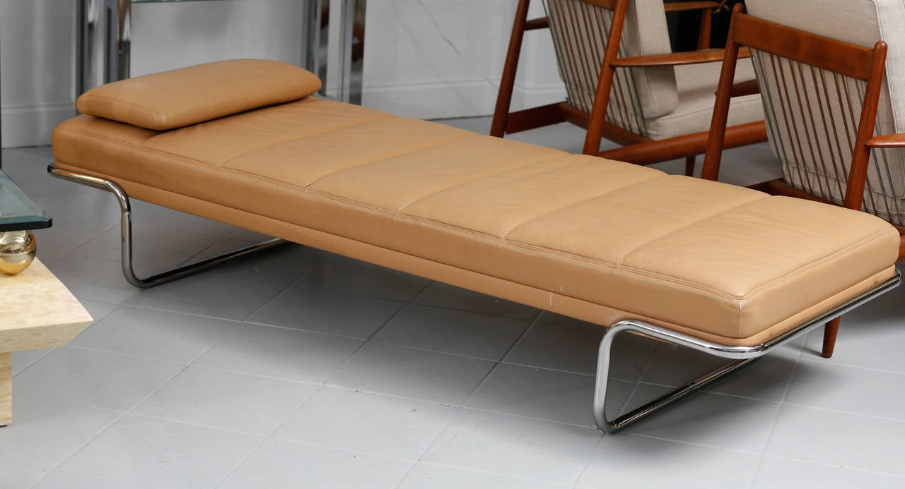 Brayton leather daybed for sale at 1stdibs for Sofa bed 8101