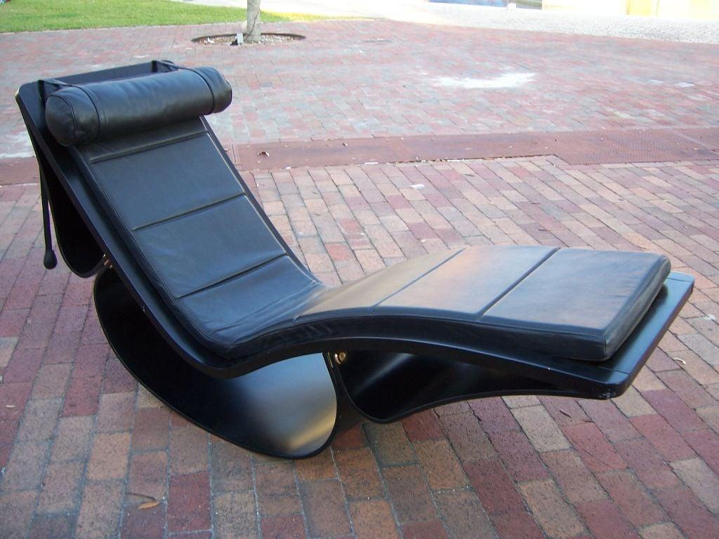 Original vintage rio rocking chaise by oscar niemeyer for Chaise longue oscar niemeyer
