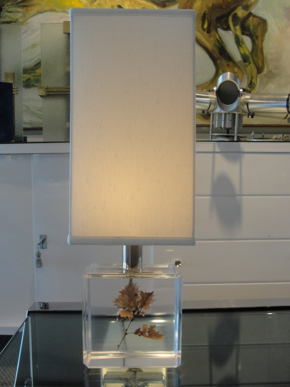 This is a perfect Autumn leaf floating in this chunky vintage lucite base.  Shade is new, custom for this lamp and is included in price.