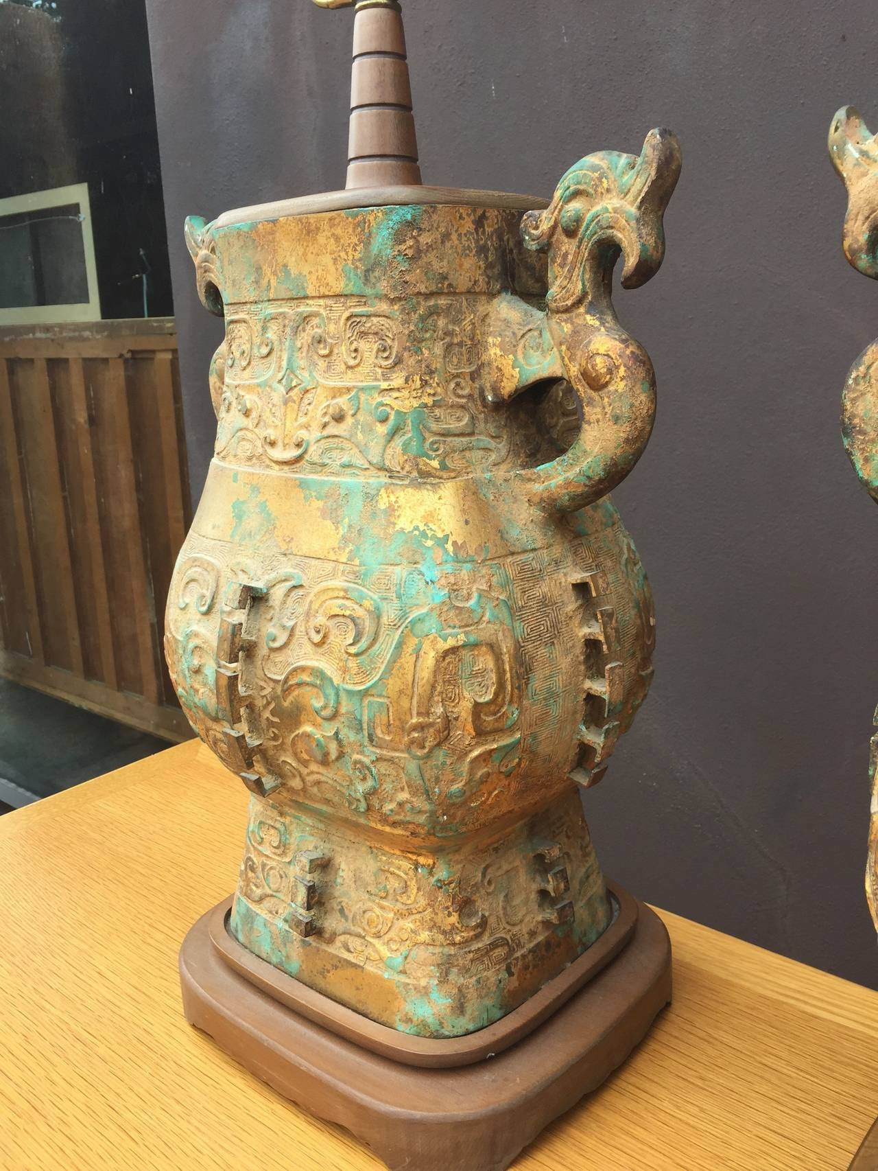 East Asian Chinoiserie Pair of Iron Table Lamps For Sale