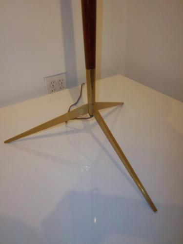 A Mid Century Floor Lamp in Mahogany in the Style of Ico Parisi 4