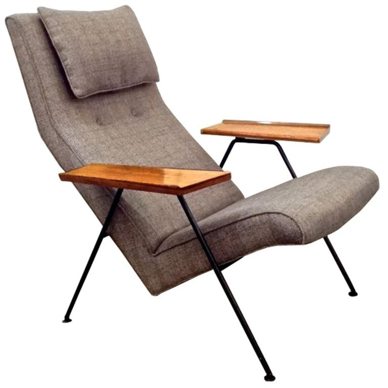 Vintage lounge chair by robin day at 1stdibs for Chaise robin day habitat