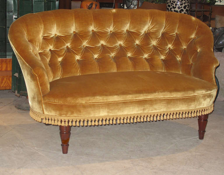 Danish Victorian Style Tufted Back Loveseat For Sale At 1stdibs