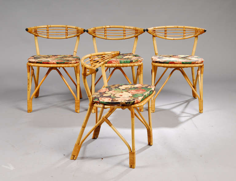 Mid-Century Modern Danish 1940s 5-Piece Rattan Dining Set For Sale