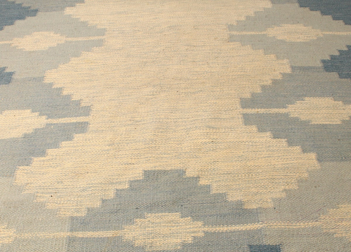 swedish s rollakan (flatwoven) rug . swedish s rollakan (flatwoven) rug at stdibs