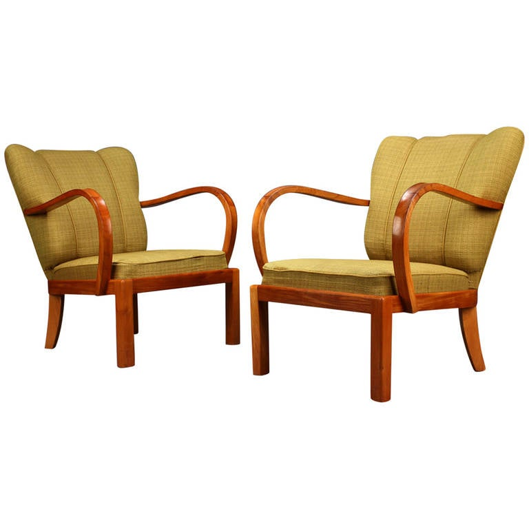 Pair of 1930s-1940s Danish Modern Elm Armchairs For Sale