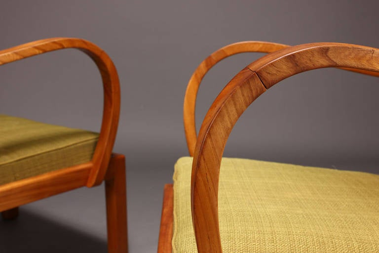 Mid-20th Century Pair of 1930s-1940s Danish Modern Elm Armchairs For Sale