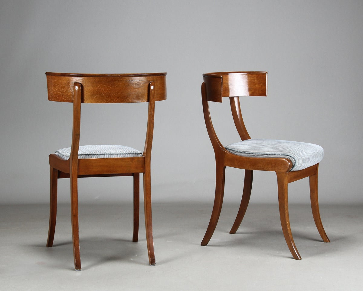 Classical Greek Pair of 19th Century Danish Klismos Side Chairs For Sale