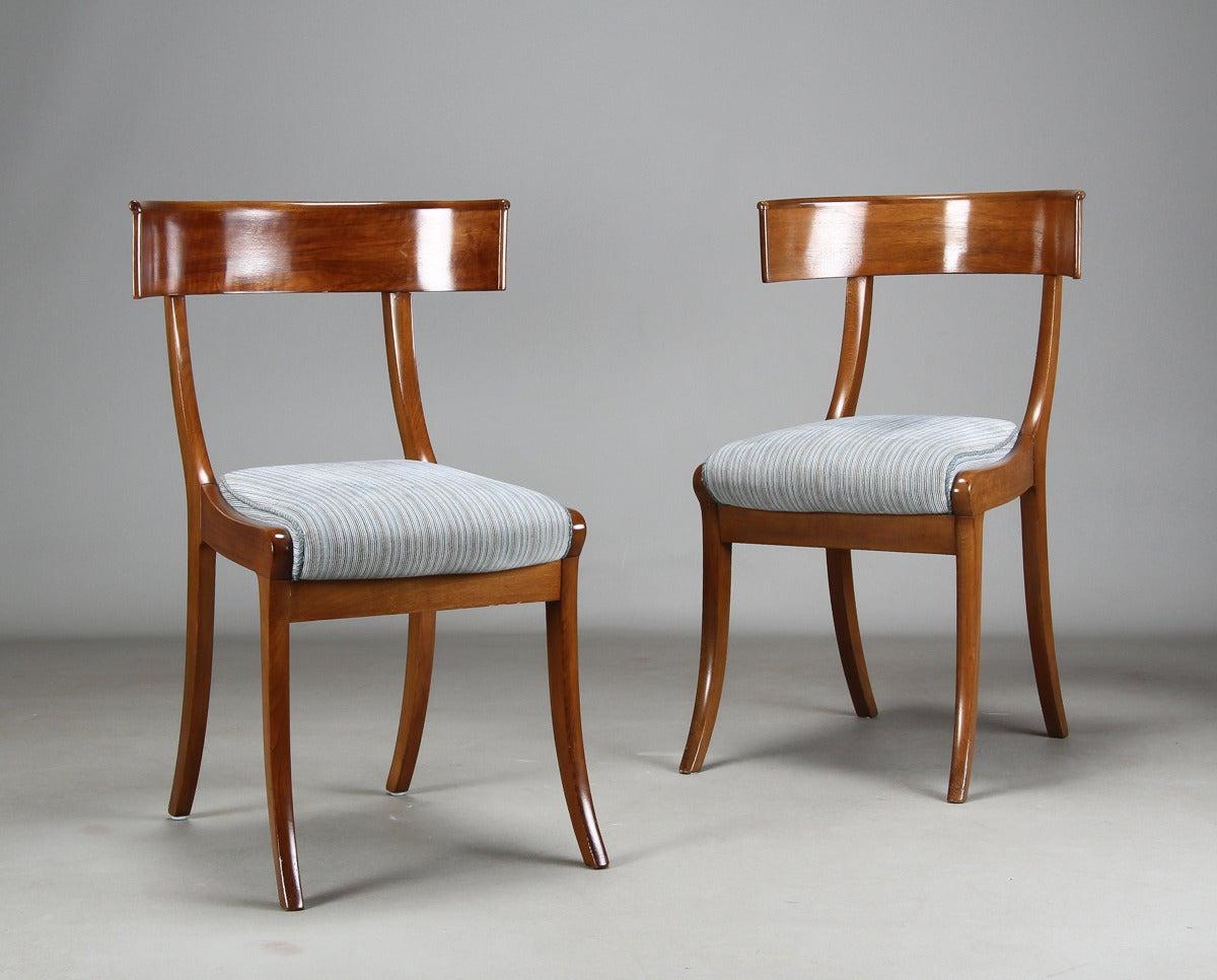 Pair of Danish mahogany Klismos side chairs, second half of the 19th century.