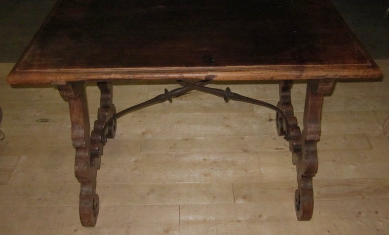 19th Century Italian Walnut Side Table with Iron Cross Bar Base In Excellent Condition For Sale In New York, NY