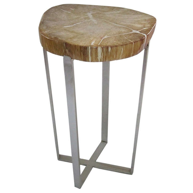 Wood Slice Accent Table: 938944_l.jpg