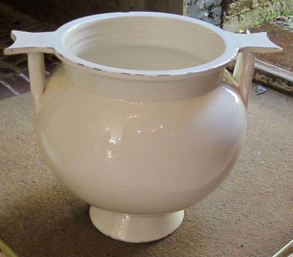 french deco cream cache pot at 1stdibs. Black Bedroom Furniture Sets. Home Design Ideas